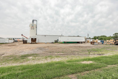West Fargo Commercial For Sale: 191 12th