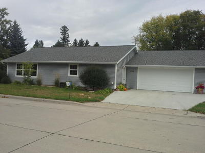 Oslo Single Family Home For Sale: 404 Oak St