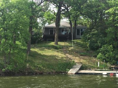 Mentor Single Family Home For Sale: 15733 Sandy Beach Rd SE Maple Lake