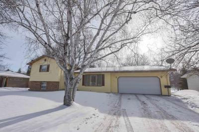 Crookston Single Family Home For Sale: 917 Memorial Dr