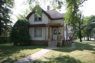 Crookston Single Family Home For Sale: 821 Woodland Avenue