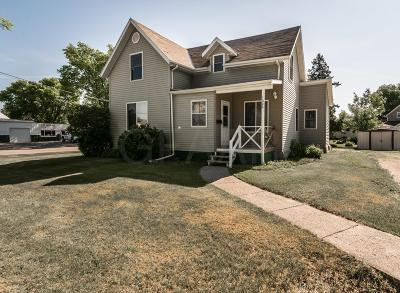 Crookston Single Family Home For Sale: 1024 A Street