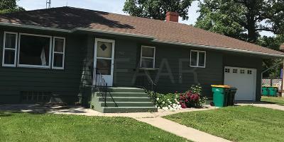 Warren Single Family Home For Sale: 647 N Central Street