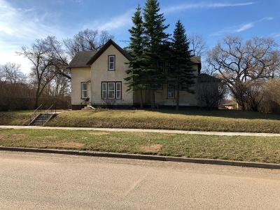 Valley City Single Family Home For Sale: 465 4th St NW
