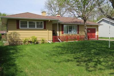 Single Family Home For Sale: 1407 5th Avenue NE