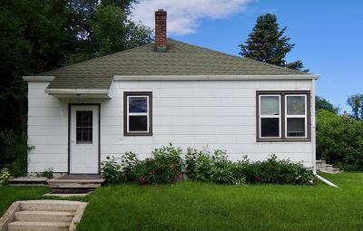 Single Family Home For Sale: 654 3rd Street NE
