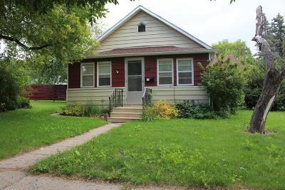 Jamestown Single Family Home For Sale: 412 5th Avenue NE
