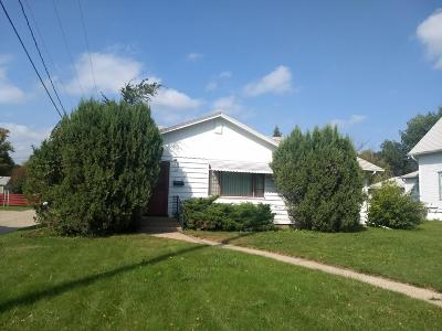 Single Family Home For Sale: 413 8th Street NE