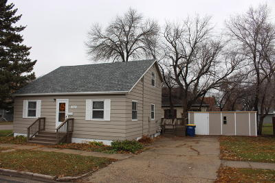 Jamestown ND Single Family Home For Sale: $97,474