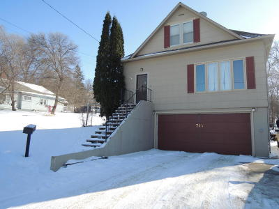 Valley City Single Family Home For Sale: 714 3rd St SE