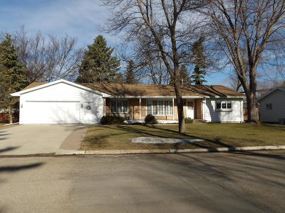 Valley City Single Family Home For Sale: 1225 Chautauqua Boulevard