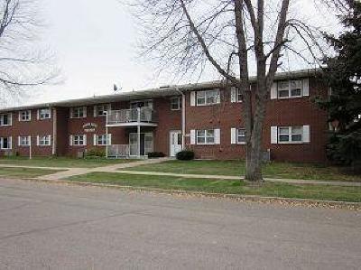 Valley City Single Family Home For Sale: 430 3rd Street NE