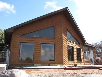 Jamestown Single Family Home For Sale: 302 10th St NE