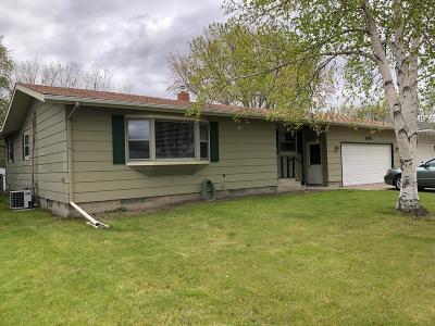 Jamestown Single Family Home For Sale: 906 James Avenue NE