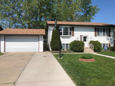 Jamestown Single Family Home For Sale: 1613 7th Avenue NE