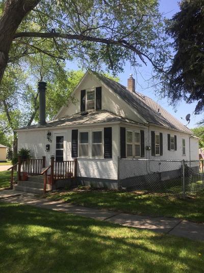 Jamestown Single Family Home For Sale: 522 9th Avenue SE