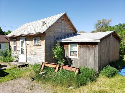 Jamestown Single Family Home For Sale: 720 10th Avenue SE