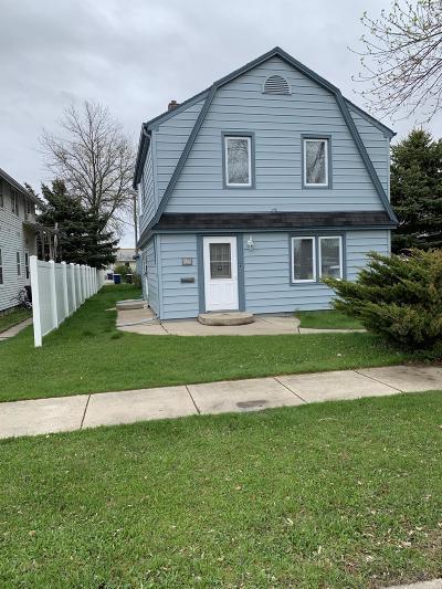 Jamestown Single Family Home For Sale: 517 3rd Avenue SE