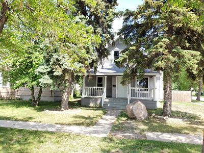 Jamestown Single Family Home For Sale: 304 4th Avenue NE