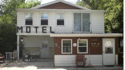 Single Family Home For Sale: 101 Lake Avenue