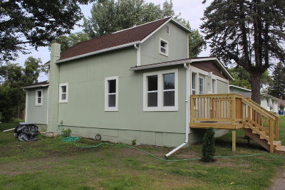 Jamestown Single Family Home For Sale: 324 6th Avenue SW
