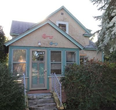 Jamestown Single Family Home For Sale: 321 3rd Avenue SW
