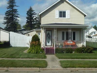 Jamestown Single Family Home For Sale: 412 5th Avenue SE