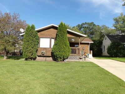 Valley City Single Family Home For Sale: 466 12th Avenue NE