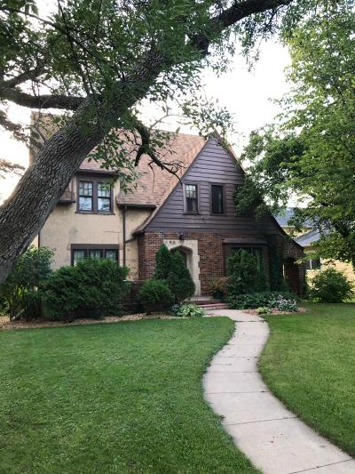 Jamestown Single Family Home For Sale: 319 7th Avenue NE
