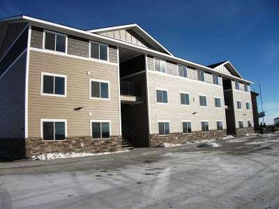 Minot Multi Family Home For Sale: 3801 SW Crossing Street