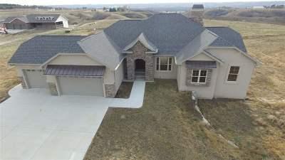 minot Single Family Home For Sale: 5709 NW 26th Av