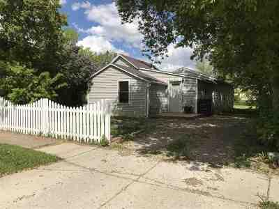 Bottineau Single Family Home For Sale: 207 Bennett St