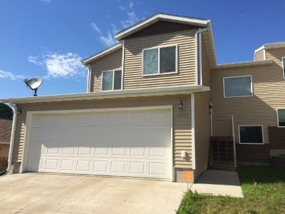 Minot Townhouse For Sale: 1115 NE 8th Ave