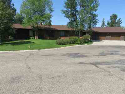 minot Single Family Home For Sale: 1304 10th St SW