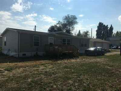 Minot ND Single Family Home For Sale: $160,000