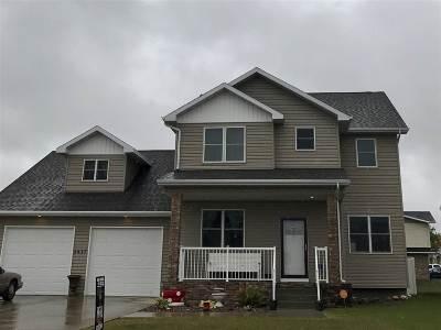 minot Single Family Home For Sale: 3417 8th St NE