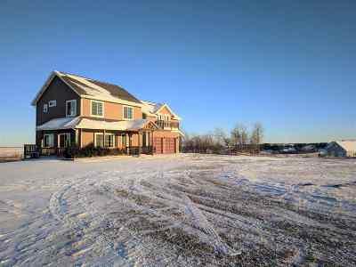 minot Single Family Home For Sale: 11351 Larson Lane SE