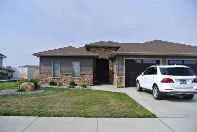 minot Single Family Home For Sale: 1500 SE Valley Bluffs Drive SE