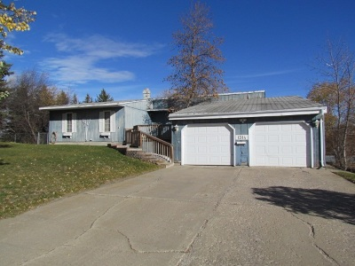 Minot ND Single Family Home For Sale: $180,000