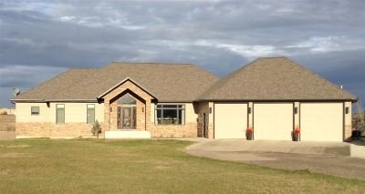 minot Single Family Home For Sale: 1105 SW 47th Ave SW