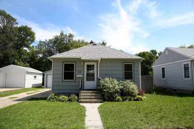 Minot ND Single Family Home For Sale: $129,900