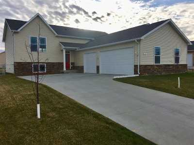 Single Family Home For Sale: 6 NE Mulberry Loop