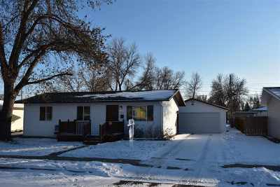 Minot Single Family Home For Sale: 1929 W Central Ave.