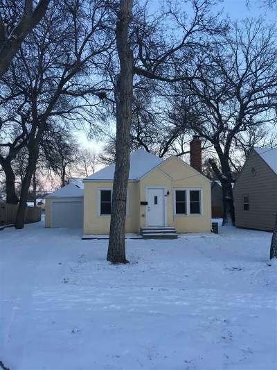 Minot Single Family Home For Sale: 518 NW 8th Street