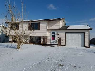 Burlington ND Single Family Home For Sale: $170,000