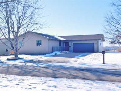 Bottineau County, Burke County, Cass County, Divide County, McHenry County, McLean County, Mountrail County, Pierce County, Ramsey County, Renville County, Rolette County, Ward County, Wells County, Williams County Single Family Home For Sale: 1509 Glacial Drive