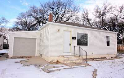 minot Single Family Home For Sale: 805 Normal St