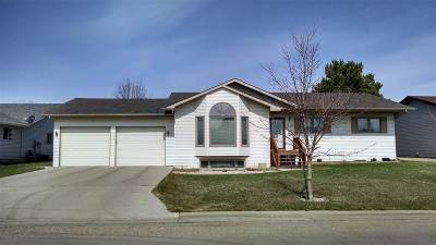 minot Single Family Home For Sale: 1004 SW 34th Avenue