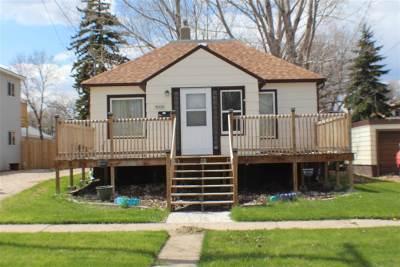 minot Single Family Home For Sale: 419 NE 1st. St. NE