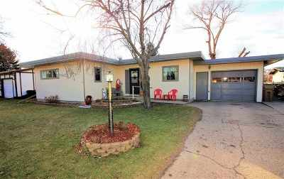 minot Single Family Home For Sale: 1947 Anderson Dr